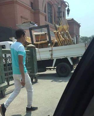 La foto del trasporto delle repliche