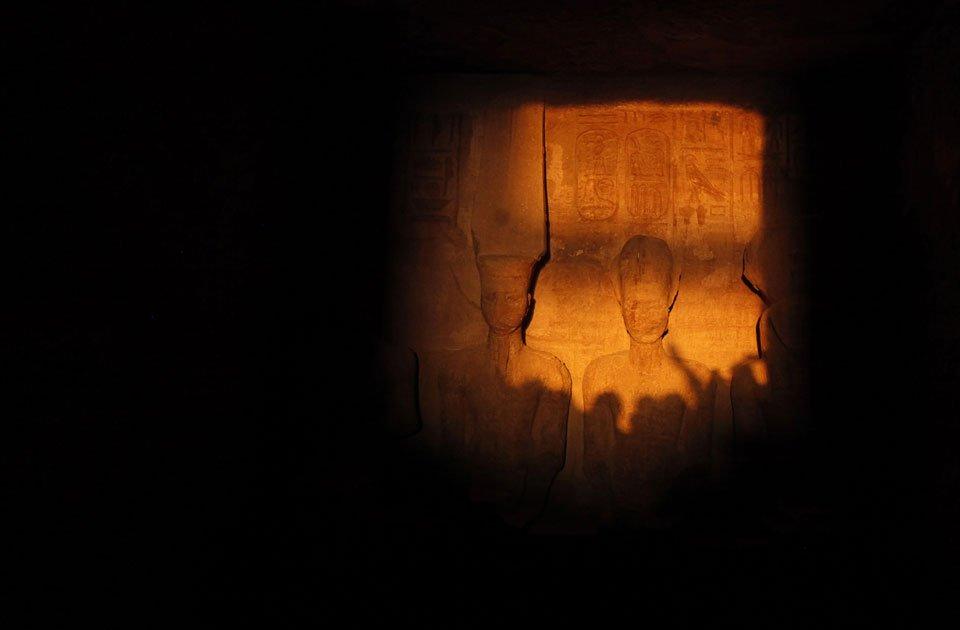 """Come da millenni, anche oggi si è ripetuto il """"Miracolo del Sole"""" ad Abu Simbel."""